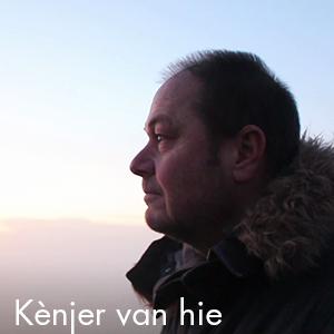 Tekst en Nederlandse vertaling Kènjer van hie