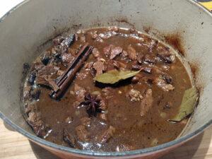 15 tips voor zacht, mals en smeuïg stoofvlees, suddervlees, hachee, zuurvlees, goulash, enzovoort